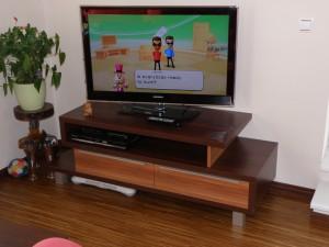 komoda pro televizi a další elektroniku