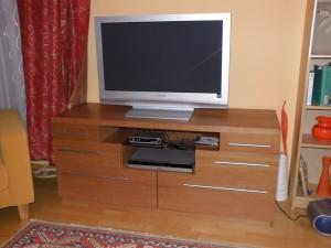 komoda pro televizi a další elektoniku