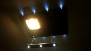 světelný podhled s dálkovým spínaním